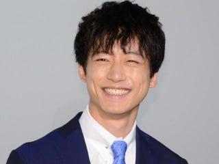 坂口健太郎の顔画像